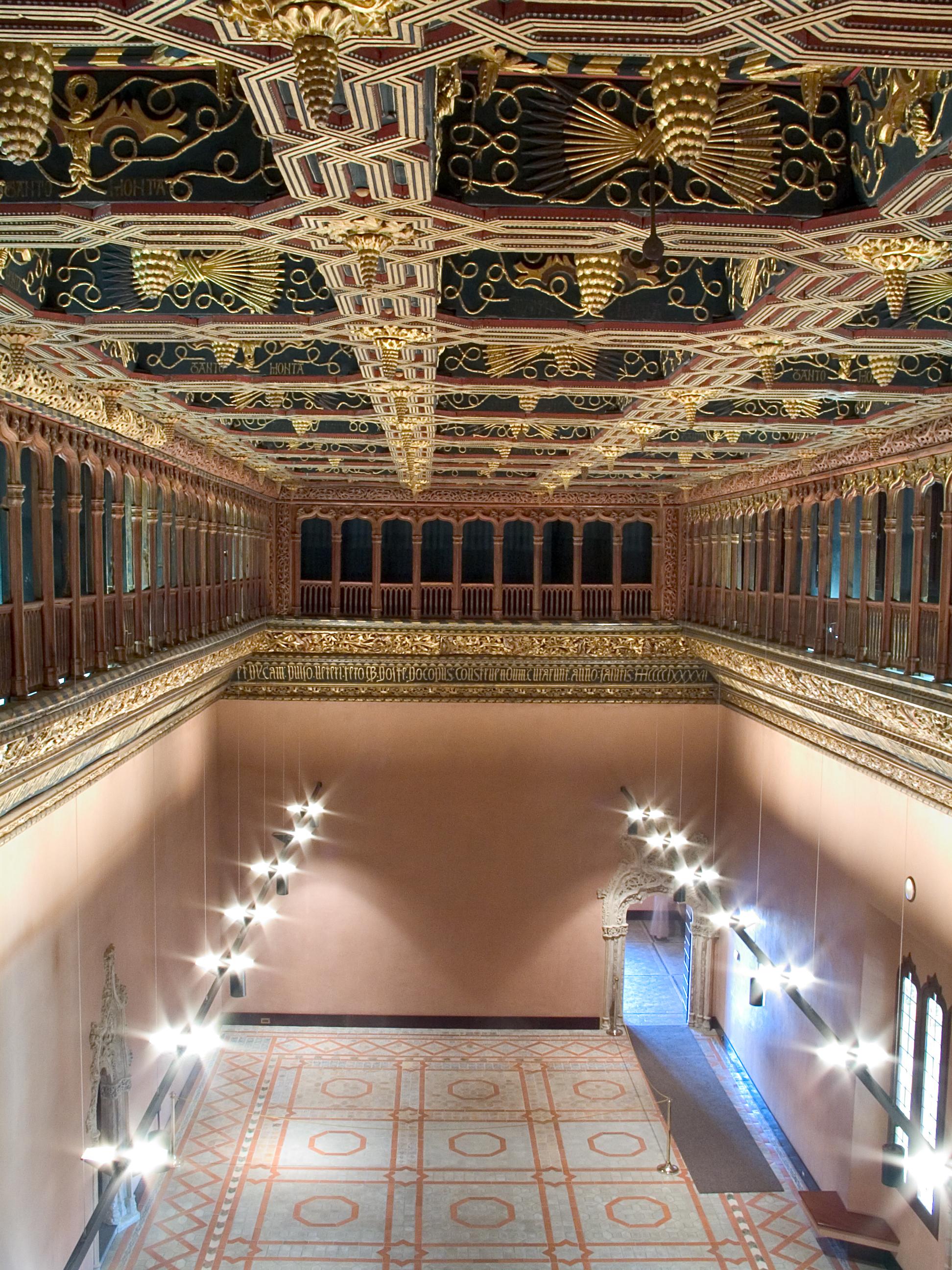 El palacio de la aljafer a supera las cien mil visitas for Sala 0 palacio de la prensa