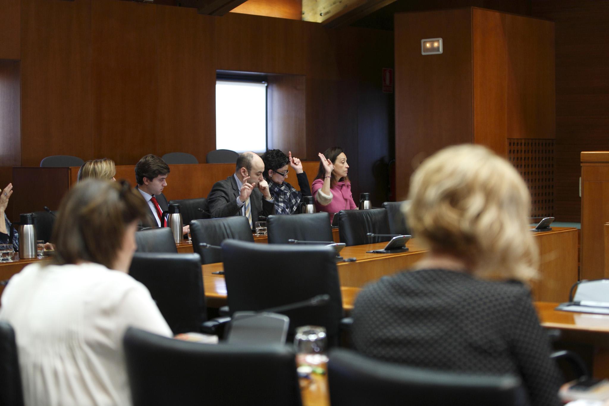 La comisi n de sanidad bienestar social y familia eleva for Oficina de bienestar social y familia
